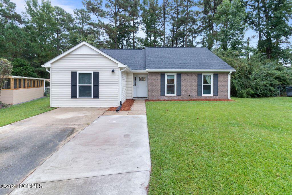 Photo of 115 Tiffany Place, Jacksonville, NC 28546 (MLS # 100295393)
