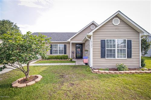Photo of 6727 Newbury Way, Wilmington, NC 28411 (MLS # 100225396)