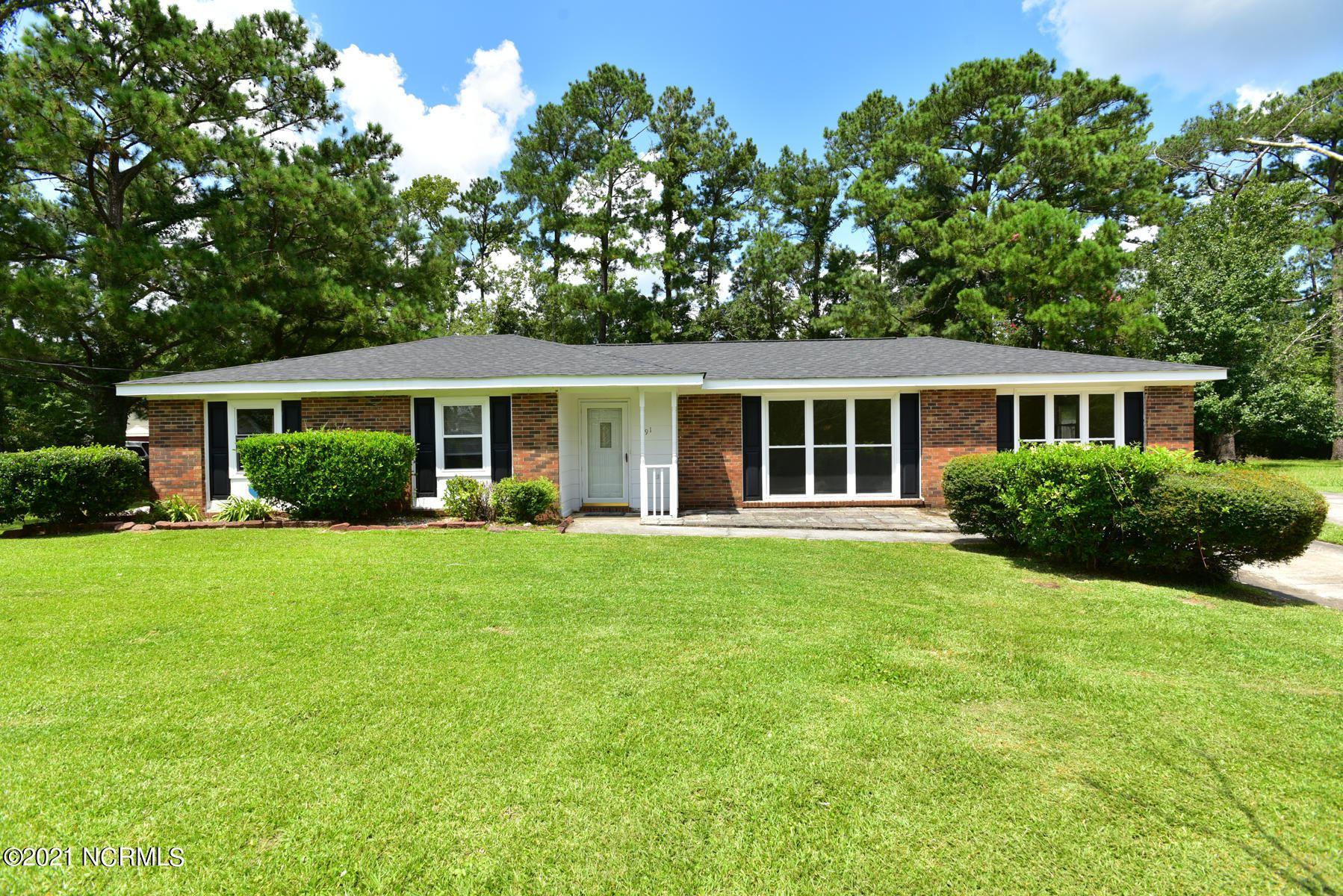 Photo of 91 Vandergrift Drive, Jacksonville, NC 28540 (MLS # 100286396)