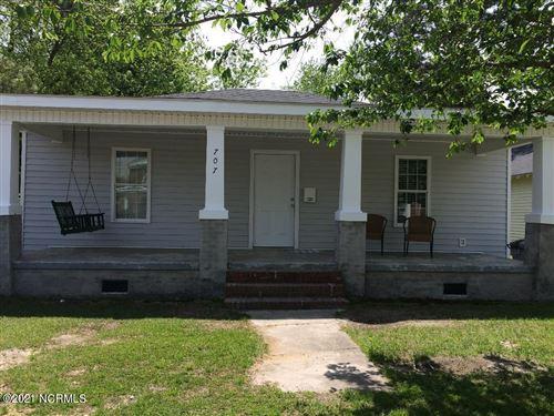 Photo of 707 W Howard Avenue, Tarboro, NC 27886 (MLS # 100284402)