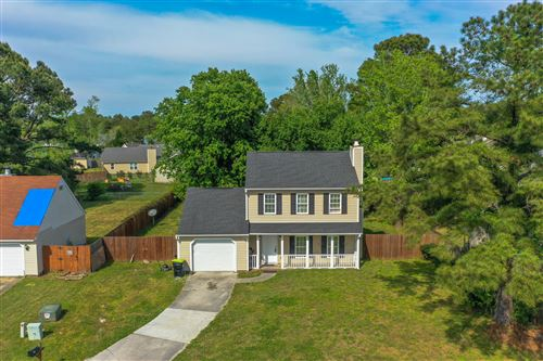 Photo of 102 Horse Shoe Bend, Jacksonville, NC 28546 (MLS # 100267406)