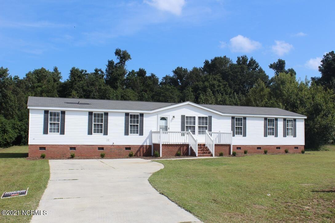 Photo of 112 Wildcat Court, Richlands, NC 28574 (MLS # 100291414)