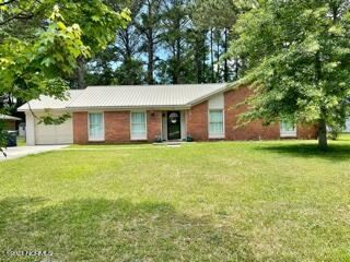 Photo of 513 W Springhill Terrace, Jacksonville, NC 28546 (MLS # 100272416)