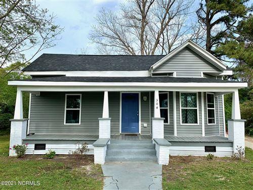 Photo of 304 S Mcrae Street, Burgaw, NC 28425 (MLS # 100265419)