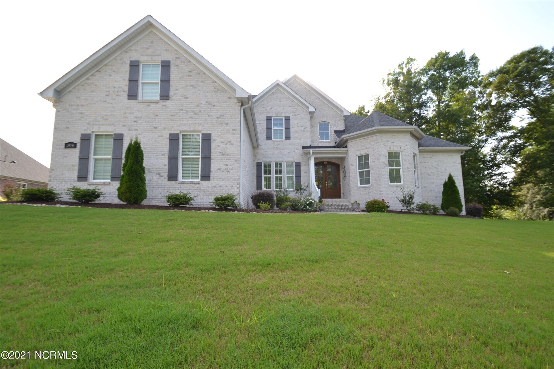 Photo of 304 Golf View Drive, Greenville, NC 27834 (MLS # 100283422)