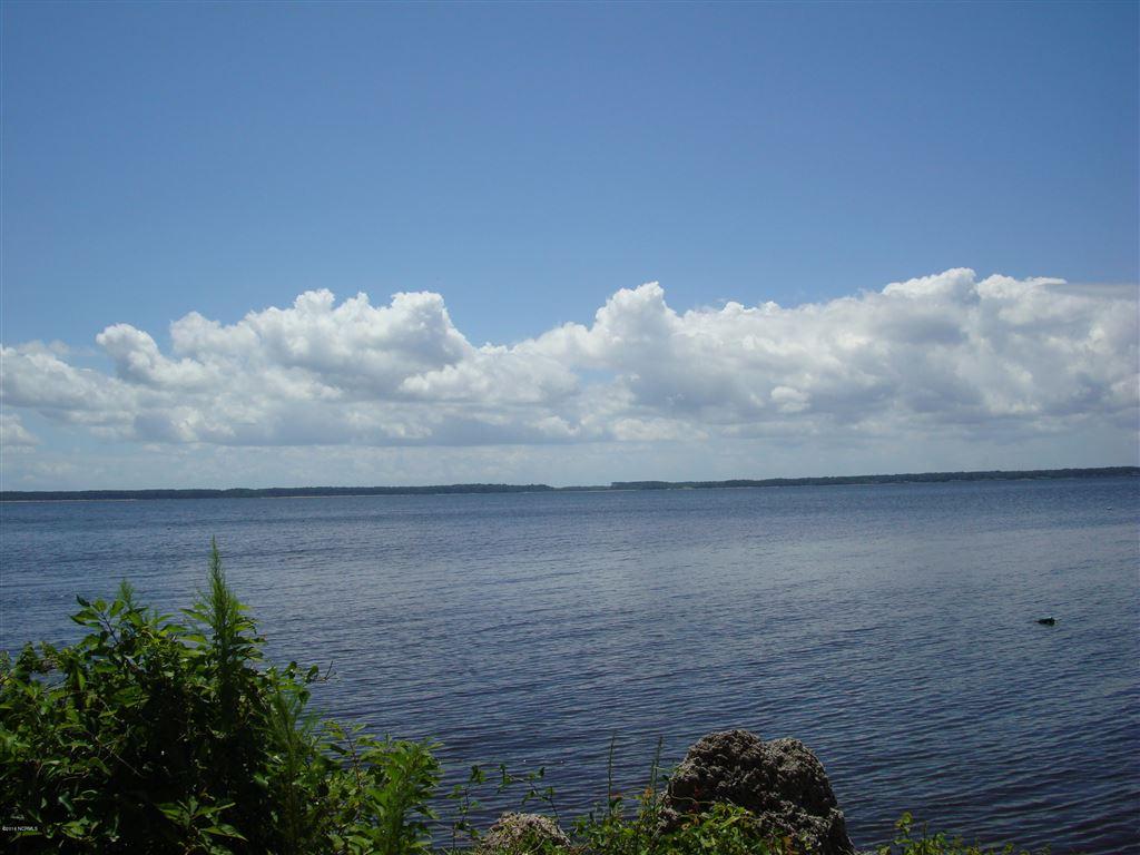 Photo of 403 & 417 Indian Bluff Drive, Minnesott Beach, NC 28510 (MLS # 100024425)