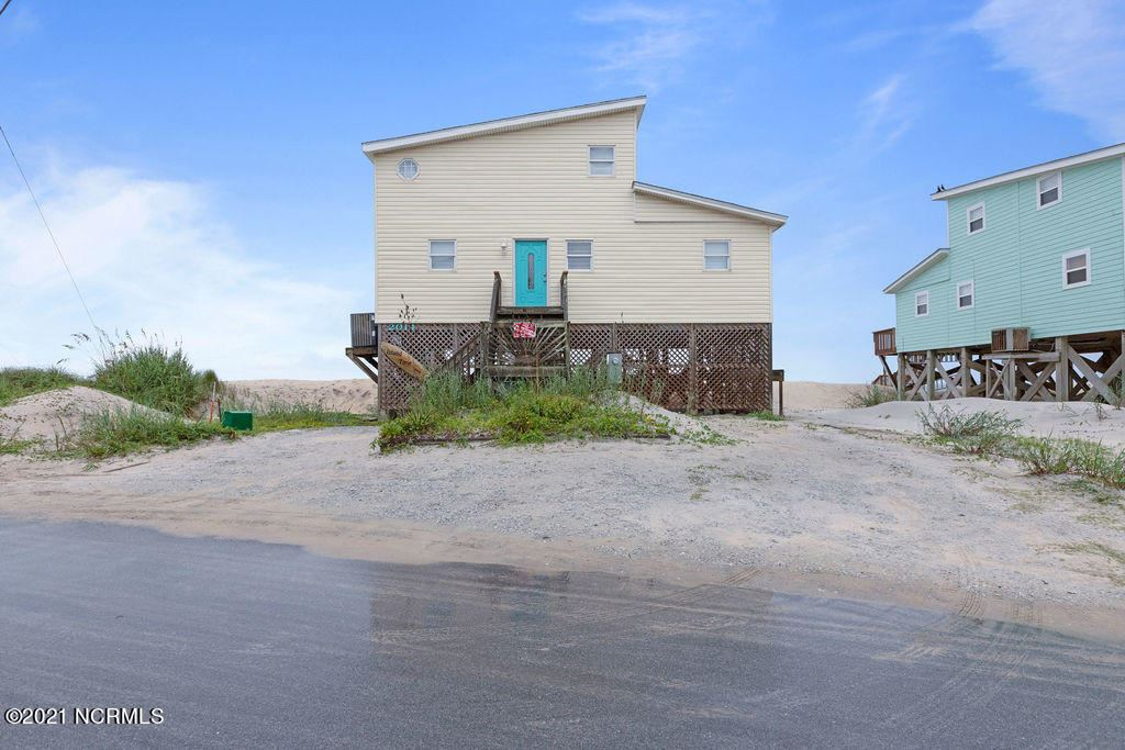 Photo for 2014 N Shore Drive, Surf City, NC 28445 (MLS # 100285428)