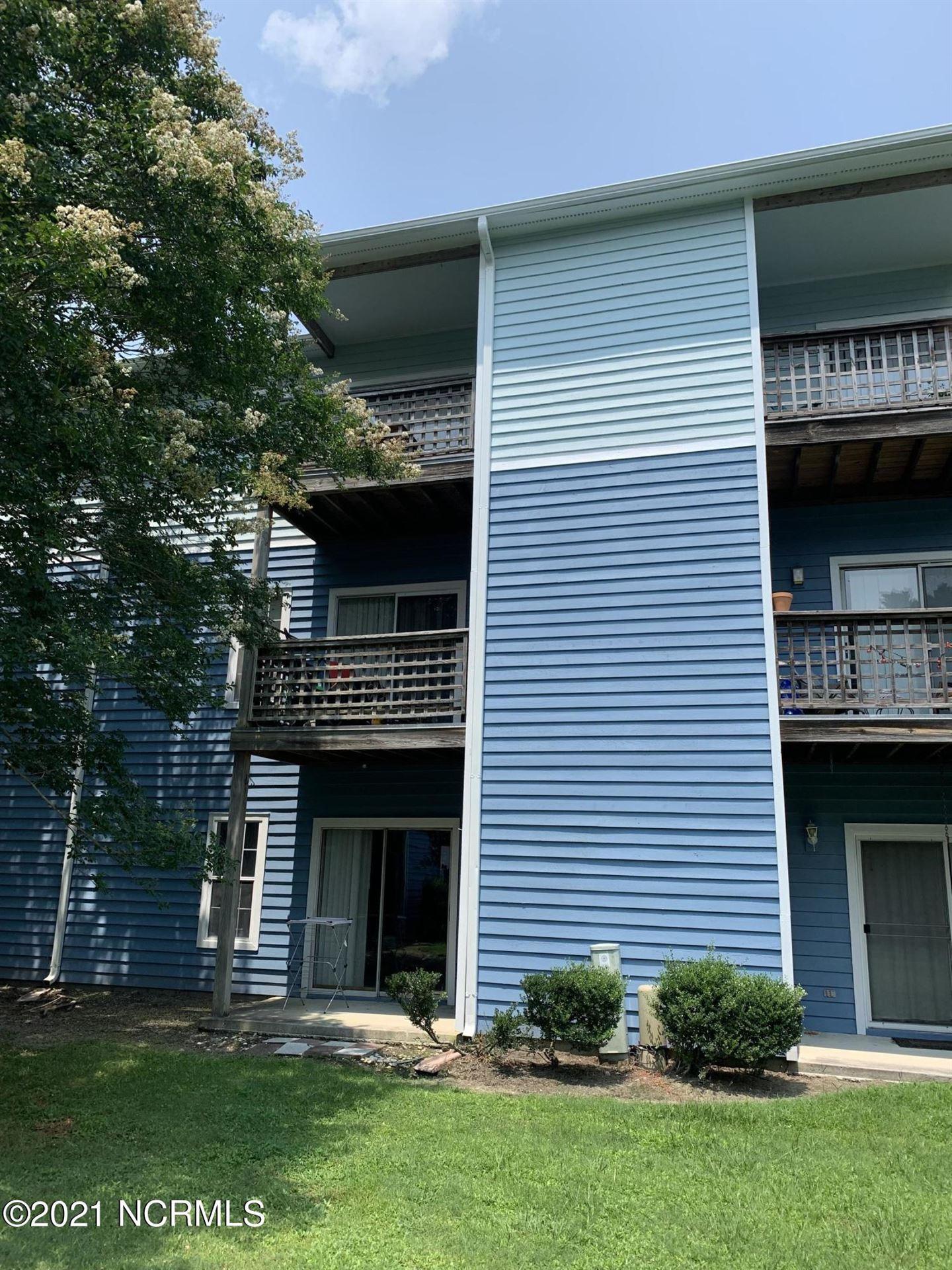 Photo for 4250 Wilshire Boulevard #202, Wilmington, NC 28403 (MLS # 100283431)