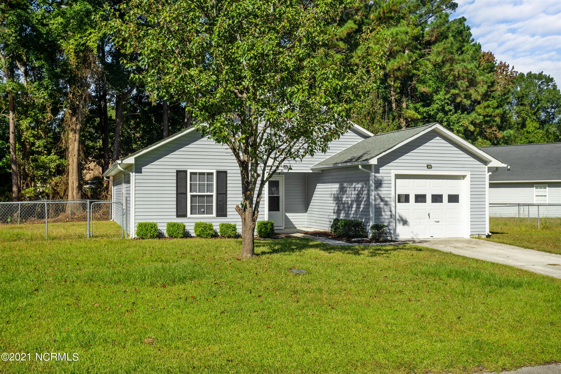 Photo of 1165 Shroyer Circle, Jacksonville, NC 28540 (MLS # 100293432)