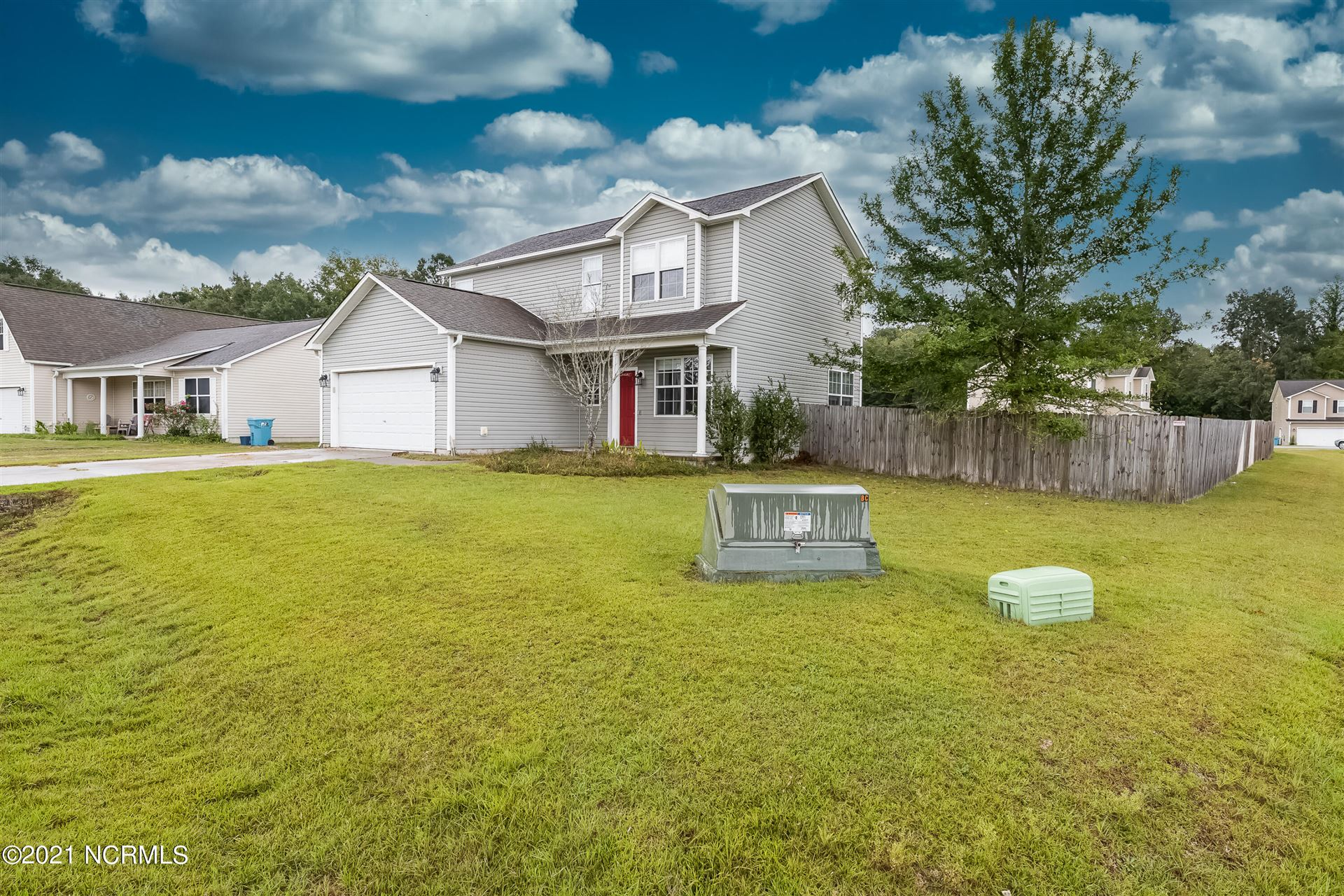 Photo of 118 Briar Hollow Drive, Jacksonville, NC 28540 (MLS # 100295438)