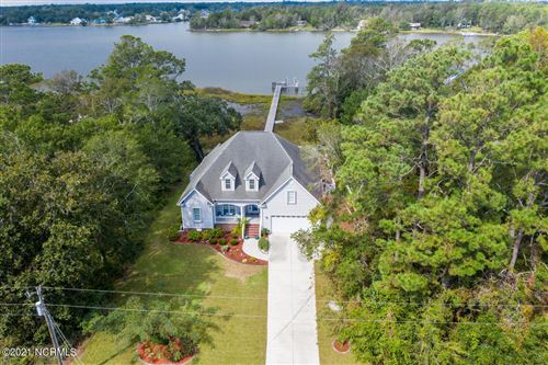 Photo of 815 Chadwick Shores Drive, Sneads Ferry, NC 28460 (MLS # 100262445)