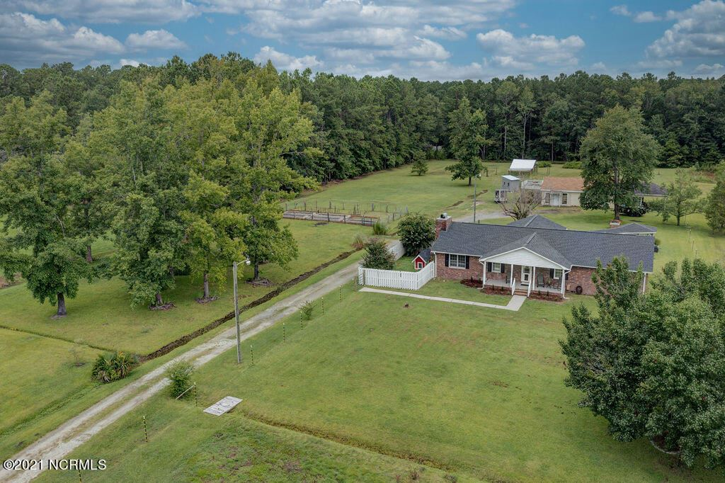 Photo of 1101 Porters Lane Road, Rocky Point, NC 28457 (MLS # 100283447)