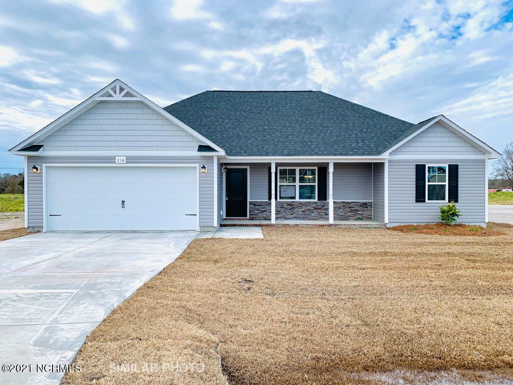 Photo for 116 Easton Drive, Richlands, NC 28574 (MLS # 100262449)