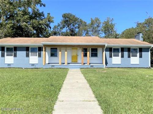 Photo of 401 Oakwood Avenue, Jacksonville, NC 28546 (MLS # 100238451)