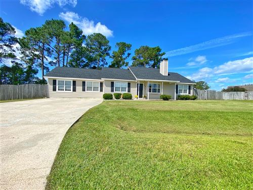 Photo of 446 Dion Drive, Hubert, NC 28539 (MLS # 100237452)
