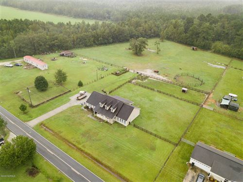 Photo of 707 Batchelor Road, Richlands, NC 28574 (MLS # 100237453)