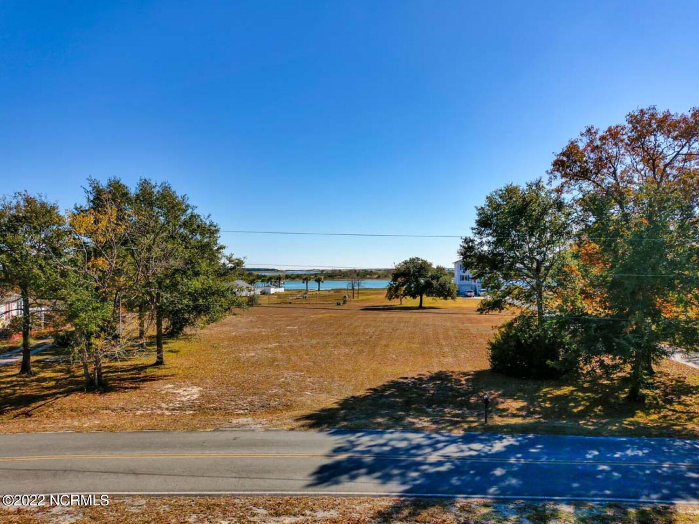 Photo of 110 Harbour Drive, Hubert, NC 28539 (MLS # 100232464)