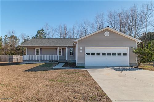 Photo of 733 Queens Creek Road, Hubert, NC 28539 (MLS # 100198465)