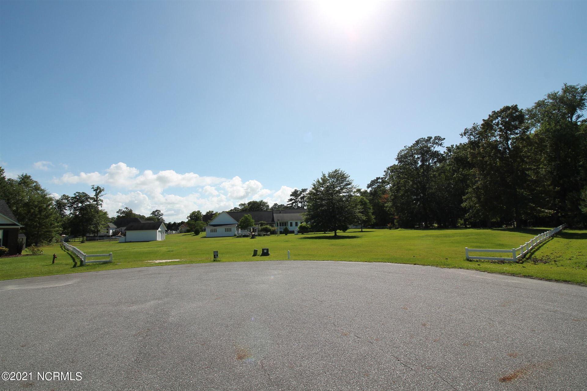 Photo of 38 Buccaneer Circle, Washington, NC 27889 (MLS # 100283477)