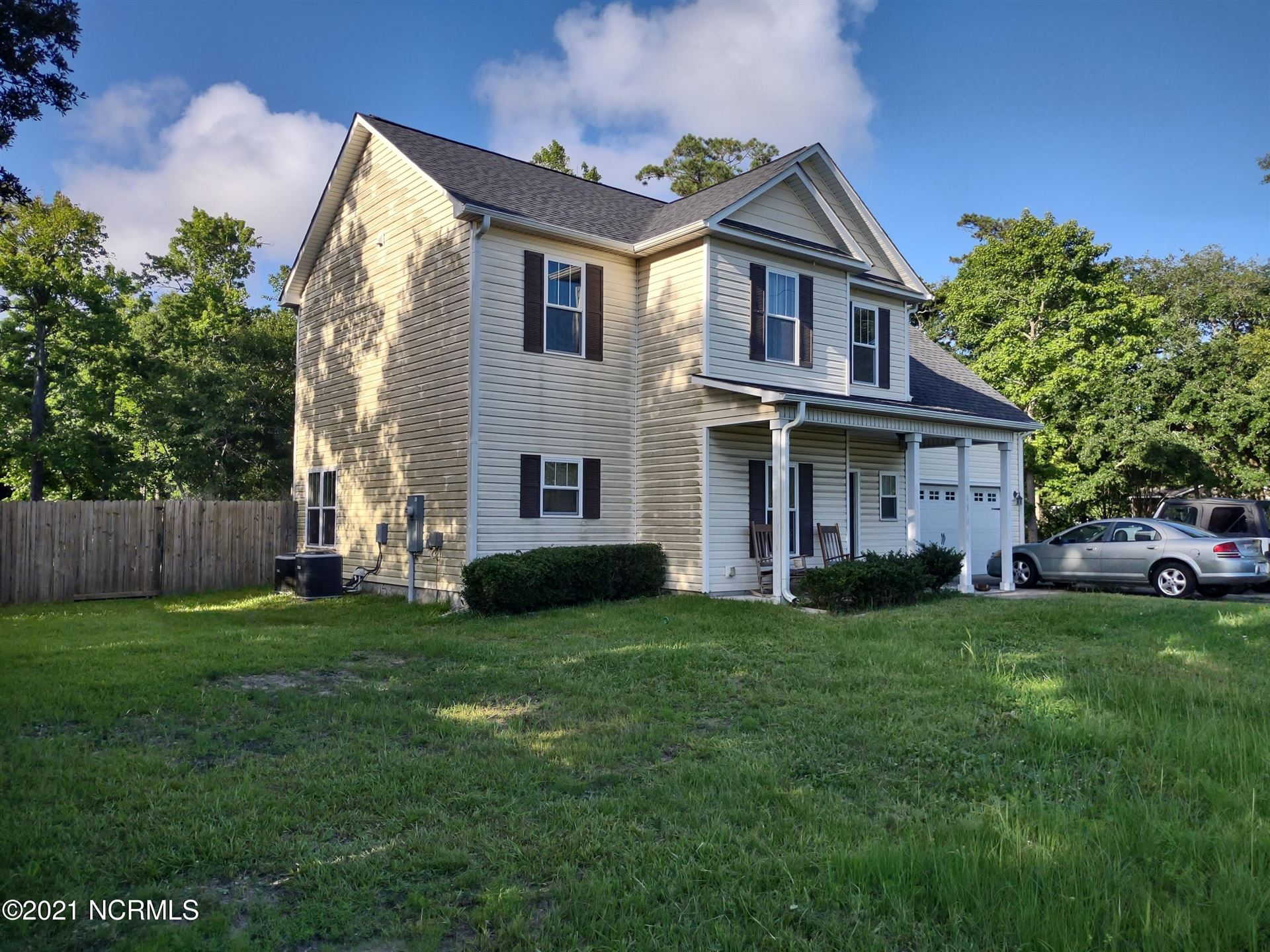 Photo for 261 Chadwick Acres Road, Sneads Ferry, NC 28460 (MLS # 100279490)