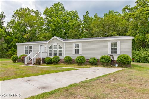 Photo of 406 Wigwam Lane, Chinquapin, NC 28521 (MLS # 100258493)