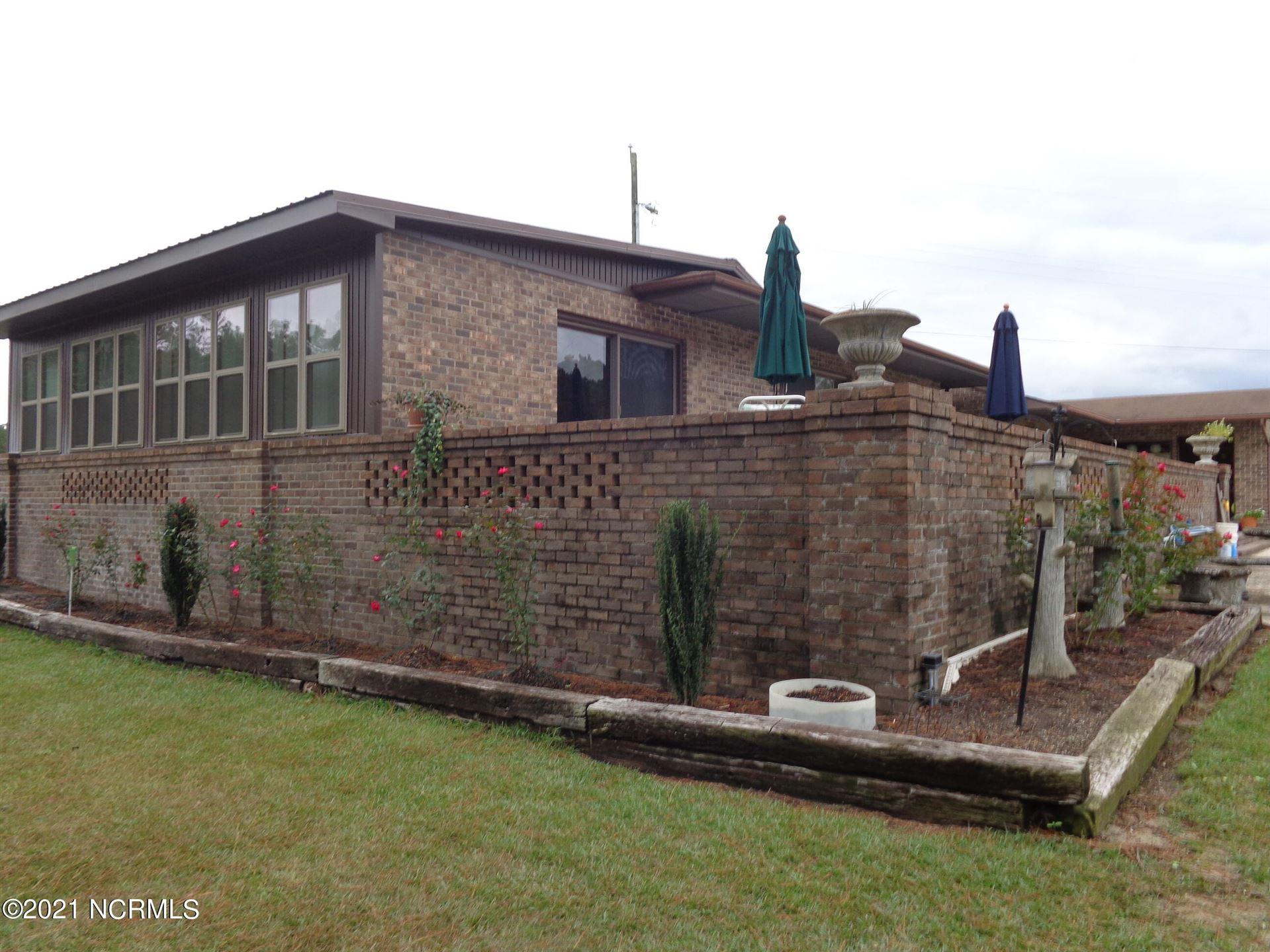Photo of 158 Murray Manor Lane, Rockingham, NC 28379 (MLS # 100296493)