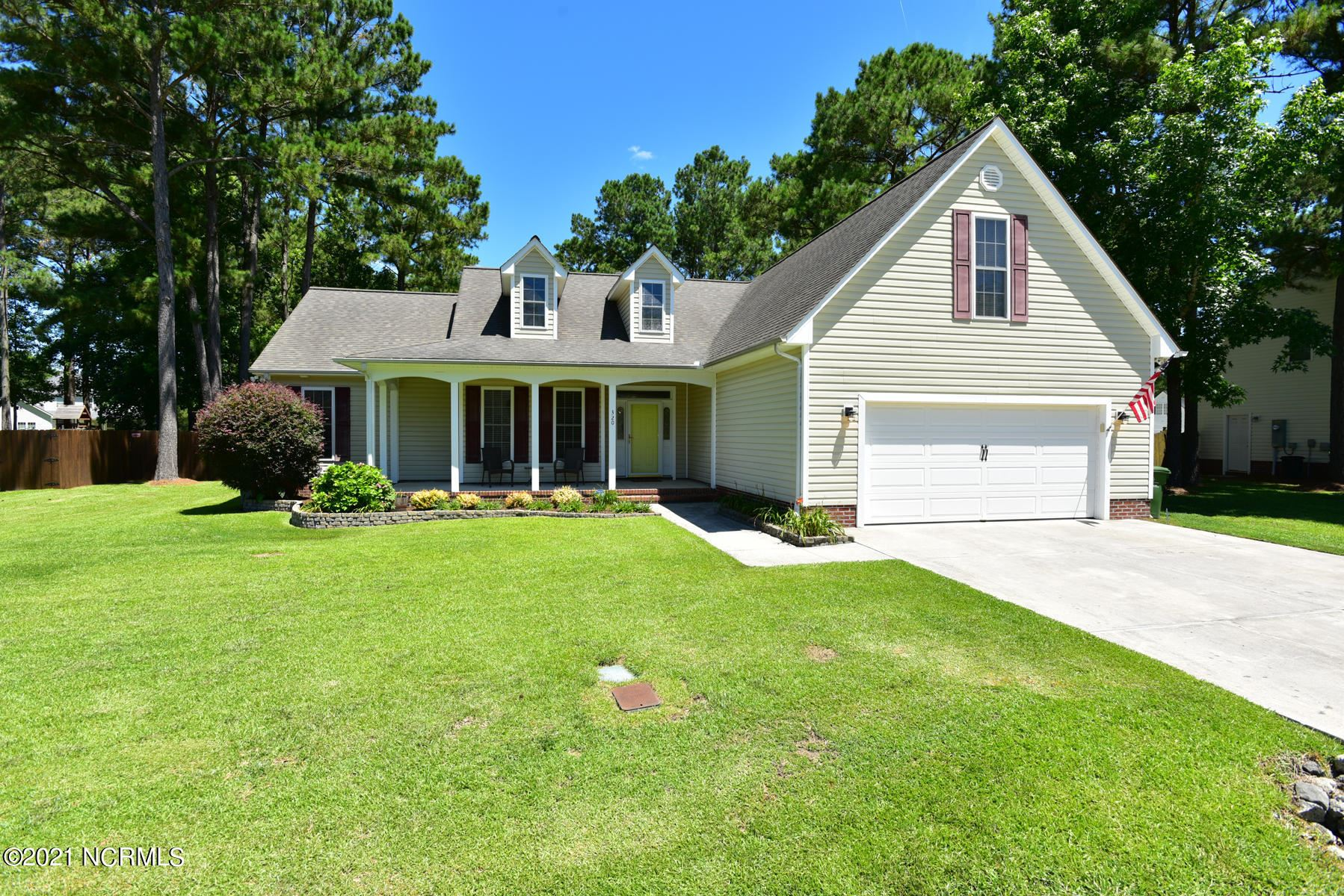 Photo for 320 Osprey Point Drive, Sneads Ferry, NC 28460 (MLS # 100275506)