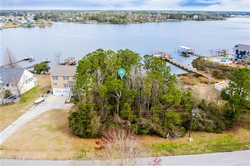 Photo of 611 Chadwick Shores Drive, Sneads Ferry, NC 28460 (MLS # 100263508)