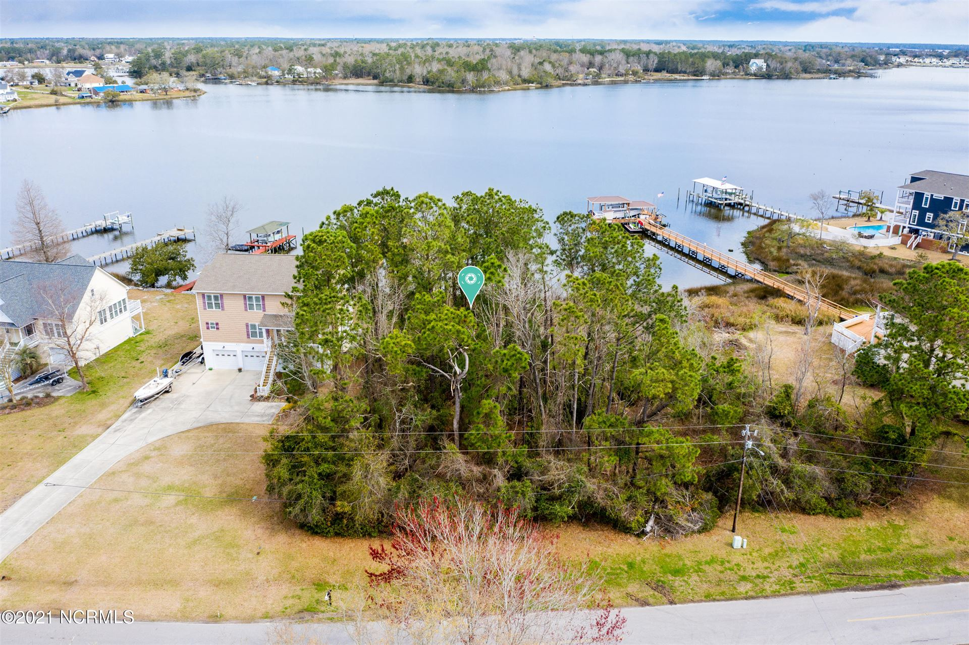 Photo for 611 Chadwick Shores Drive, Sneads Ferry, NC 28460 (MLS # 100263508)