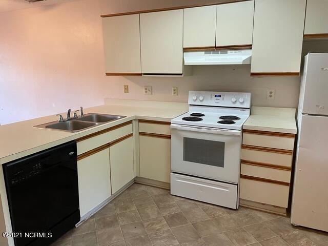 Photo of 522 S Kerr Avenue #Apt 36, Wilmington, NC 28403 (MLS # 100294511)