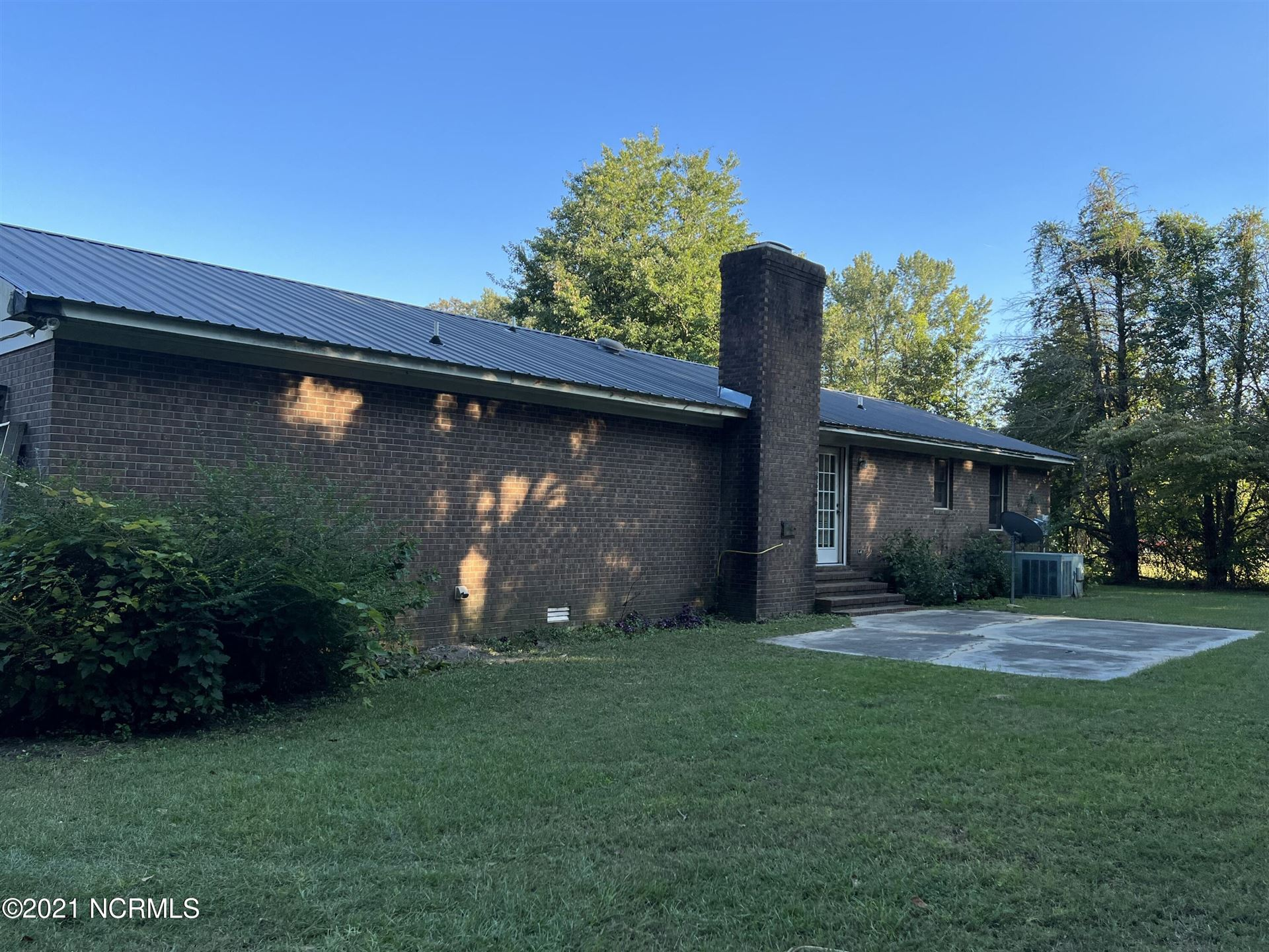 Photo of 266 Melvabrook Drive, Clinton, NC 28328 (MLS # 100292515)