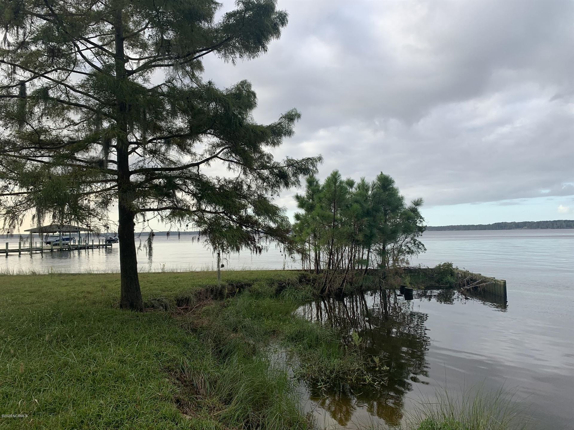 Photo of Lot 4 Swan Point, Washington, NC 27889 (MLS # 100237524)