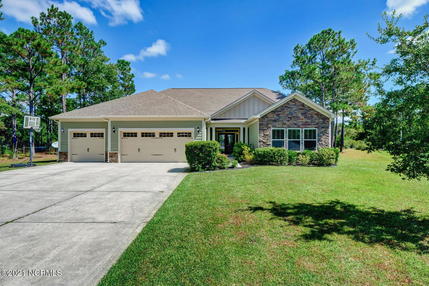 Photo of 111 Teal Court, Sneads Ferry, NC 28460 (MLS # 100292524)