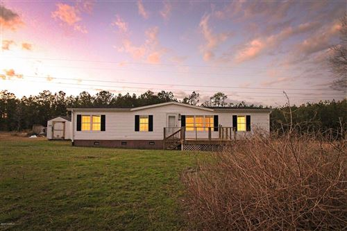 Photo of 967 Hillview Drive, Hampstead, NC 28443 (MLS # 100198528)