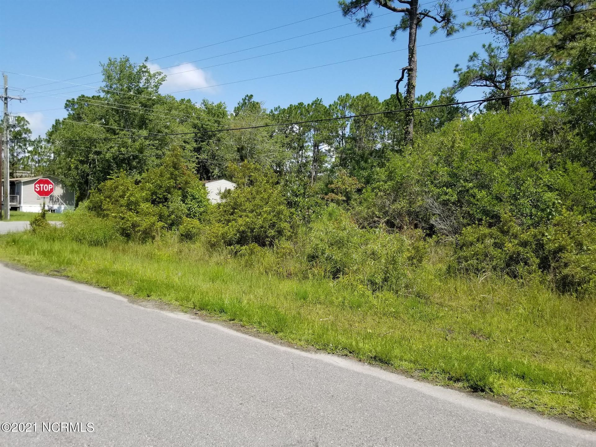 Photo of 4404 Oakcrest Drive SE, Southport, NC 28461 (MLS # 100281531)