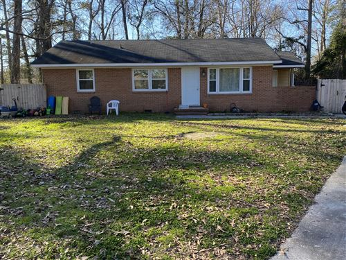 Photo of 101 Knight Place, Jacksonville, NC 28546 (MLS # 100202536)