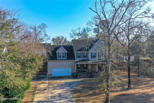 Photo of 128 Bayshore Drive, Sneads Ferry, NC 28460 (MLS # 100258537)
