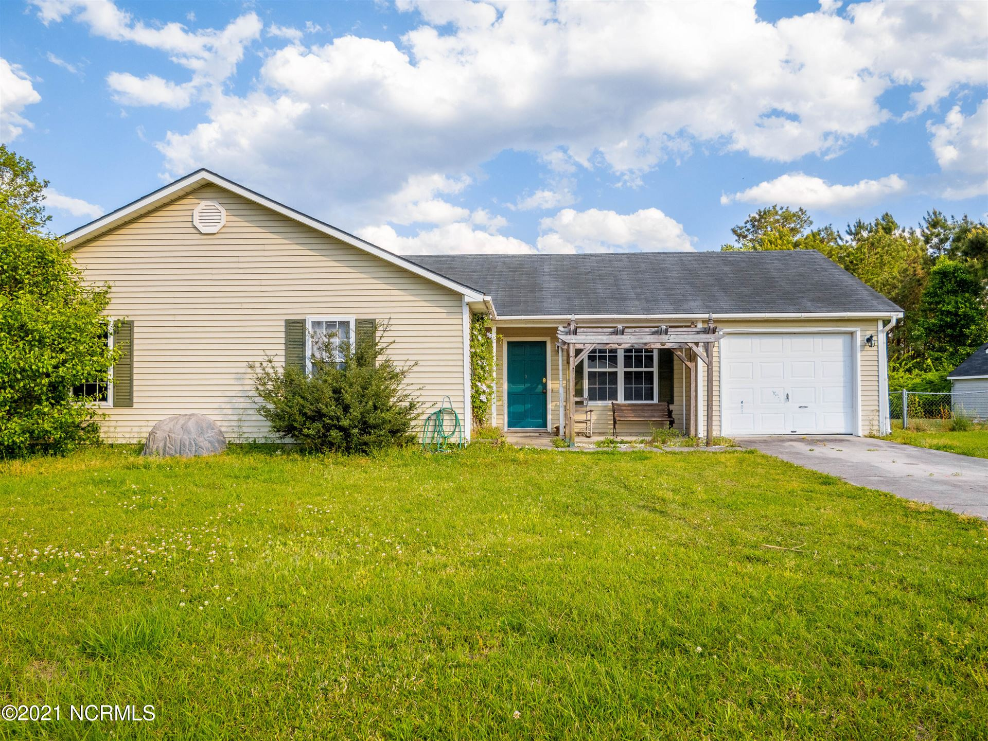 Photo for 134 Horse Shoe Bend, Jacksonville, NC 28546 (MLS # 100268546)