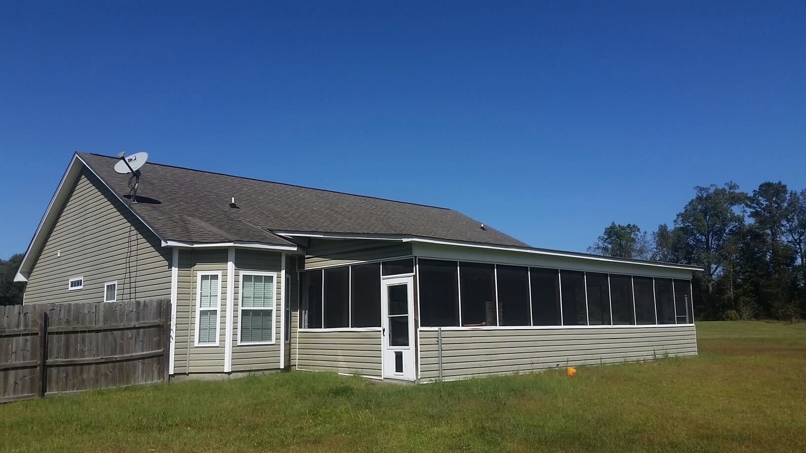 Photo of 143 Spring Leaf Lane, Jacksonville, NC 28540 (MLS # 100284548)