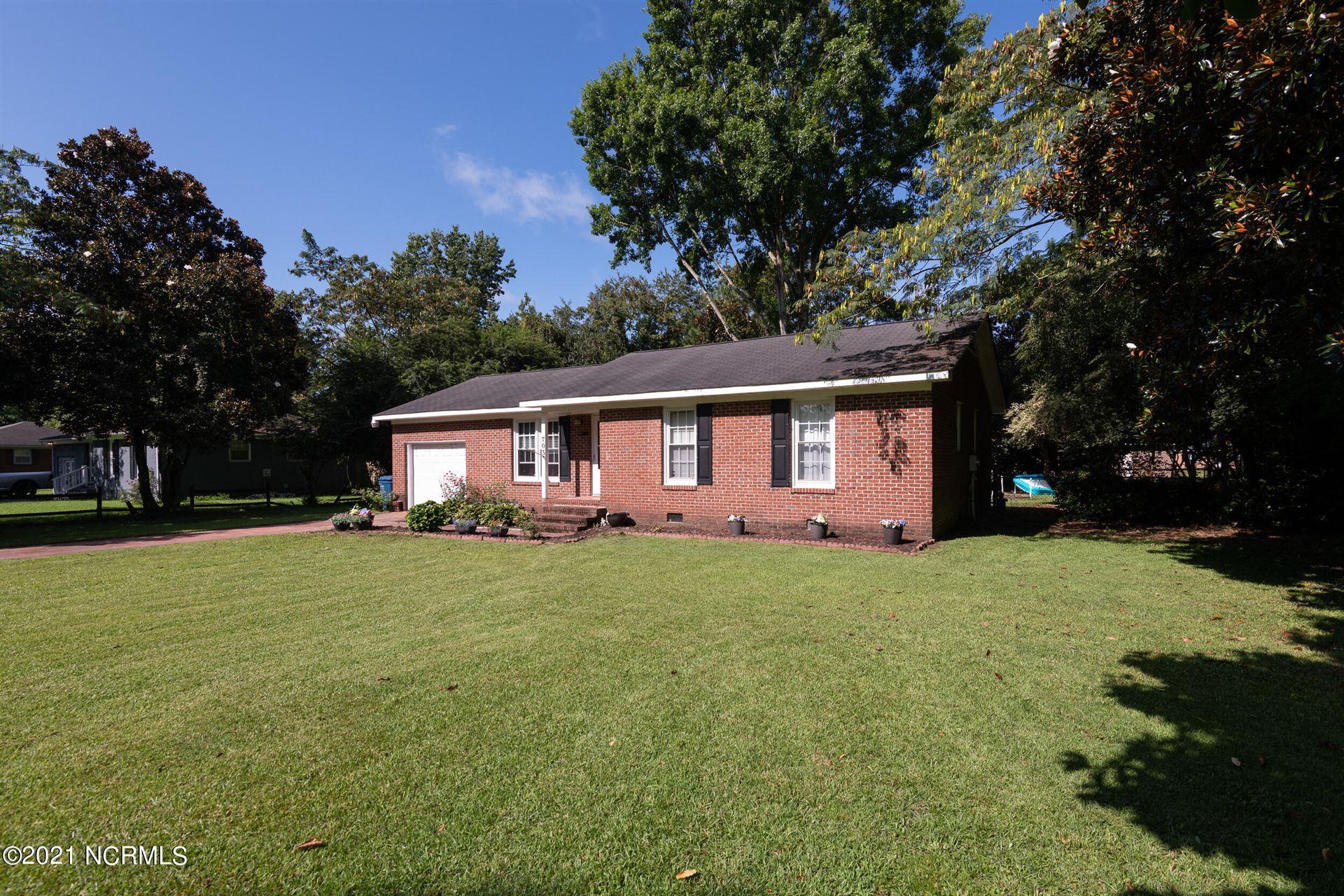 Photo of 705 Circle Drive, Greenville, NC 27858 (MLS # 100294548)