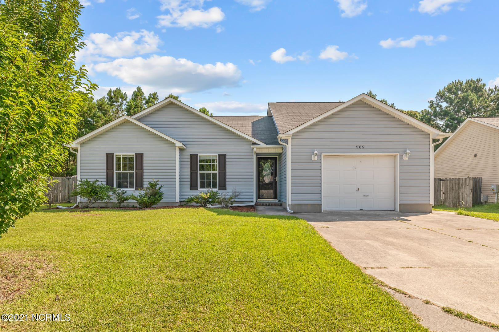 Photo for 505 Huff Drive, Jacksonville, NC 28546 (MLS # 100281567)