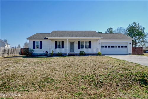 Photo of 303 Parkton Drive, Richlands, NC 28574 (MLS # 100258573)