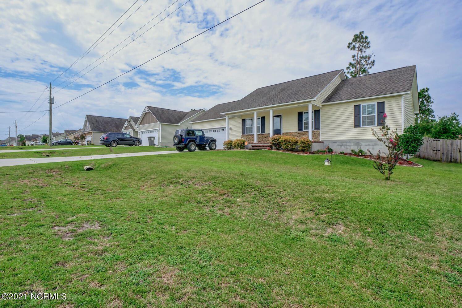 Photo of 136 Rosemary Avenue, Hubert, NC 28539 (MLS # 100283577)