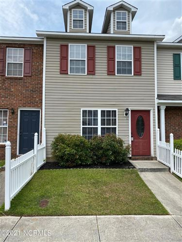 Photo of 105 Woodlake Court, Jacksonville, NC 28546 (MLS # 100256579)