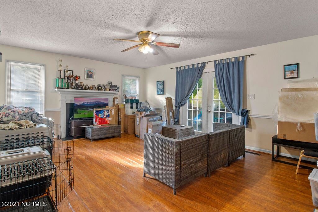 Photo of 625 Shamrock Drive, Jacksonville, NC 28540 (MLS # 100287583)