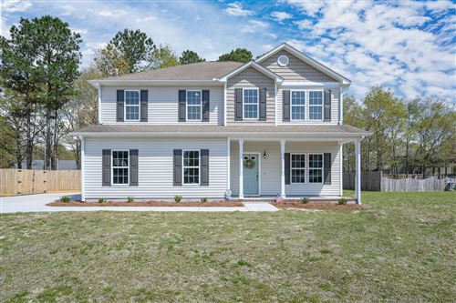 Photo of 121 Sunny Point Drive, Richlands, NC 28574 (MLS # 100211591)