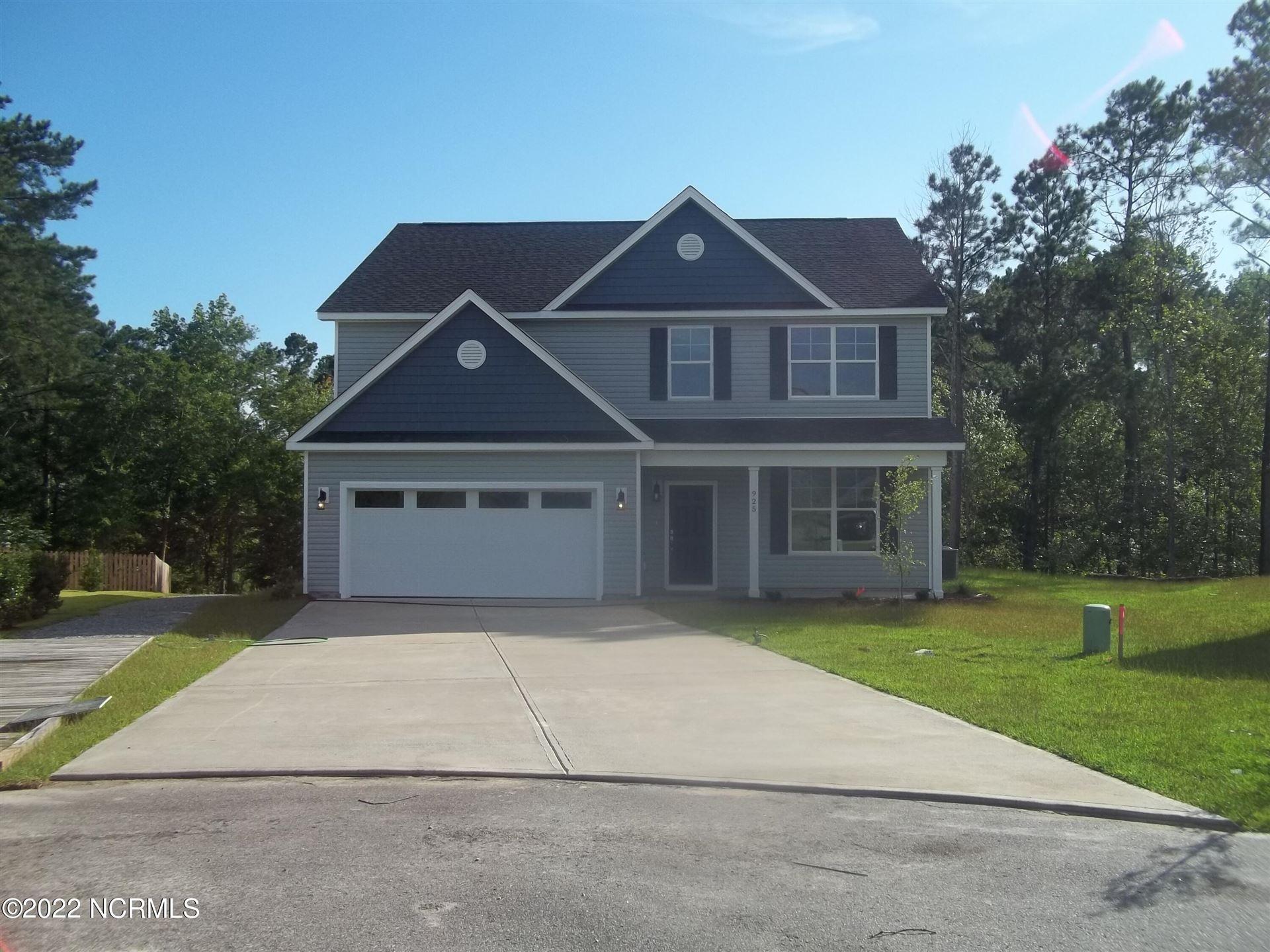 Photo of 925 W W Arboria Drive, Hampstead, NC 28443 (MLS # 100284596)