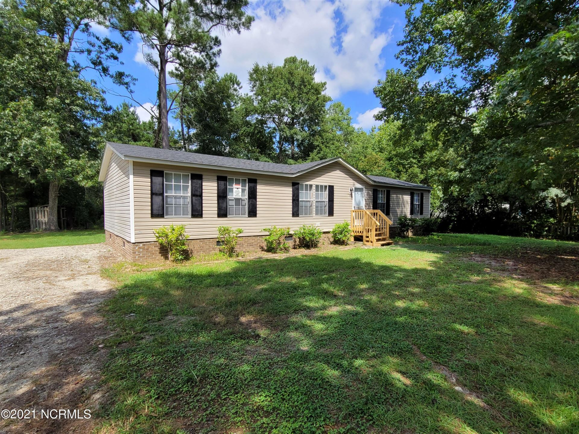 Photo of 146 Bellhammon Forest Drive, Rocky Point, NC 28457 (MLS # 100288599)