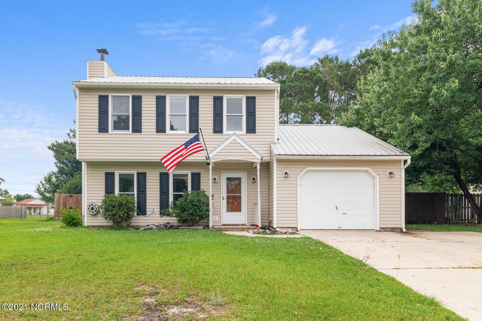 Photo for 114 Horse Shoe Bend, Jacksonville, NC 28546 (MLS # 100275613)