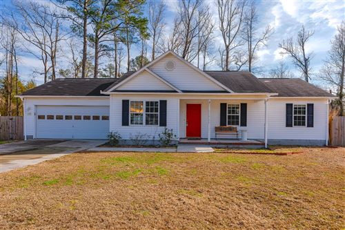 Photo of 103 Pear Tree Lane, Richlands, NC 28574 (MLS # 100206640)